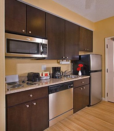 TownePlace Suites Rock Hill: Studio Suite Kitchen