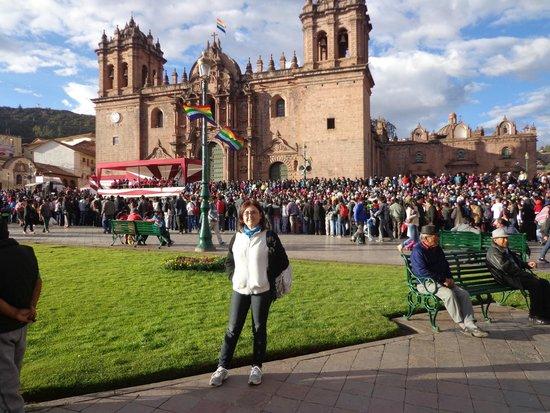 Plaza de Armas (Huacaypata) : Plaza de Armas, Cusco, Preparando el Inti Raymi