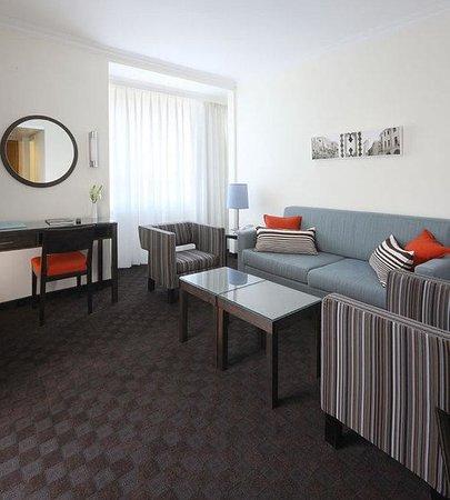 Metropolitan Hotel : Supeiror Suite Lounge