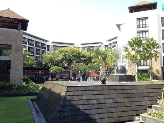 Pullman Bali Legian Nirwana: get ready to be wet by the water fountain in the extremely breezy garden yard