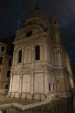 Shadows of Venice Tour: Church surrounded by water