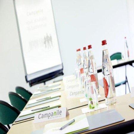 Campanile Villeneuve St Georges : Meeting room