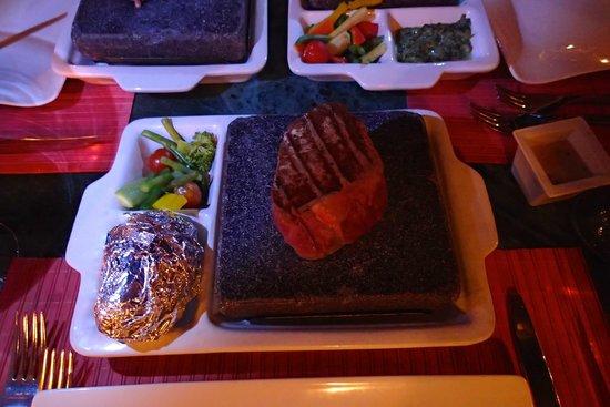 Savoy Sharm El Sheikh: Hot Rock Steak