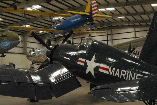 Pima Air & Space Museum: hanger exhibit