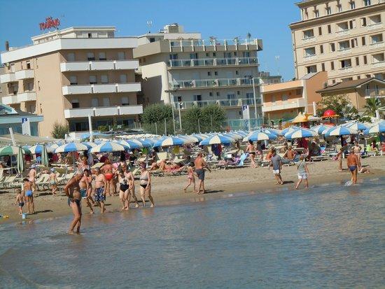 Hotel Augustus : l'hotel dalla spiaggia