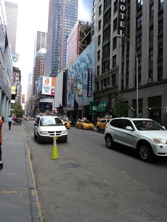 Hotel Edison Times Square : do lado de fora