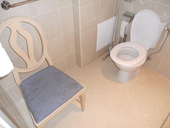 PK Ilmarine Hotel: portaoggetti  in bagno  !!!!!!