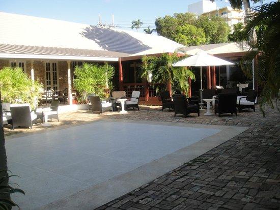 Island Inn Hotel: Island Inn Square