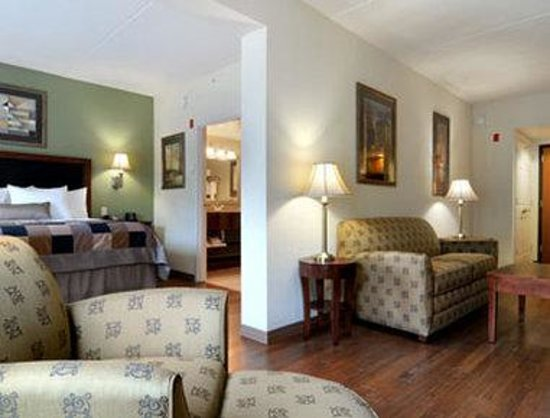 Wingate by Wyndham Tuscaloosa : Suite Room