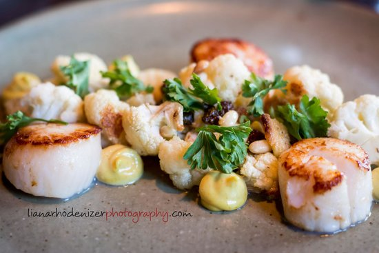 Front and Central: Scallops with roasted Califlower