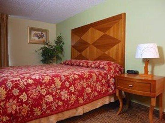 Columbia Gorge Inn: OnebedAgain