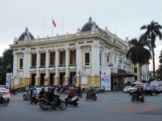 Hanoi Opera House: Opera house