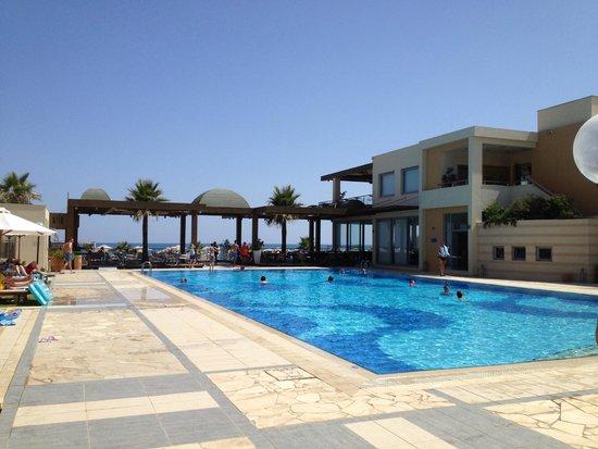 Minoa Palace Resort: Bassengområdet i Imperialdelen