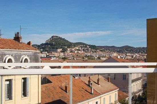 Ibis Styles Hyeres Centre Gare : View of Old City