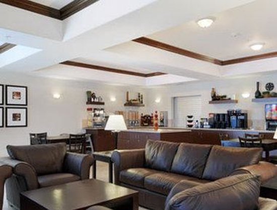 Ramada Wainwright : Breakfast Area
