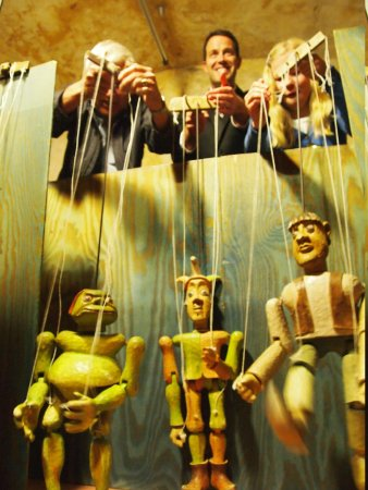 Czech Marionettes Museum : playing with puppets