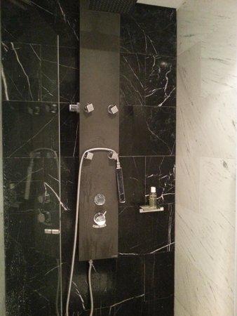 Eurostars Das Letras Hotel: Baño