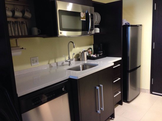 Home2 Suites Rahway : The mini kitchen super cute with all new appliances!
