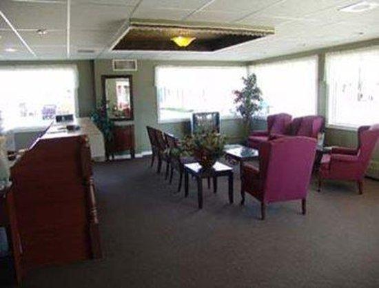 Travel Inn & Suites: Lobby