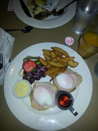 OEB Breakfast Co.: Canadian Eggs Benny