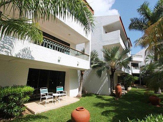 Suites Sina: jardines_de_habitaciones