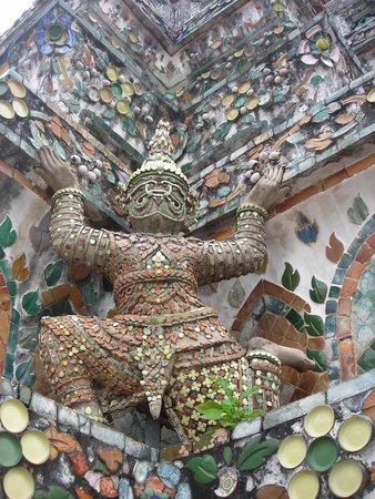 Temple de l'Aube (Wat Arun) : gardien