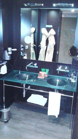 NH Collection Santiago de Compostela: Baño
