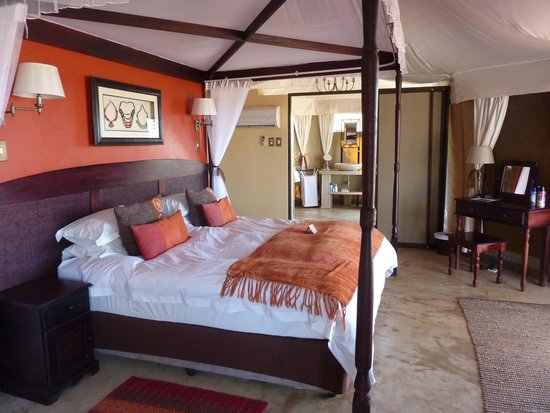 The Elephant Camp : Bedroom