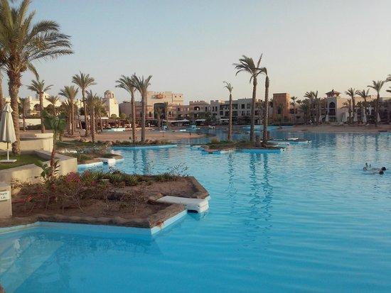 Port Ghalib Resort: laguna