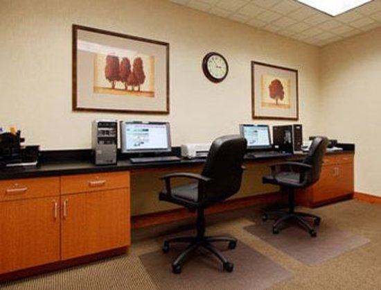 Wingate by Wyndham Lancaster / PA Dutch Country: Business Center