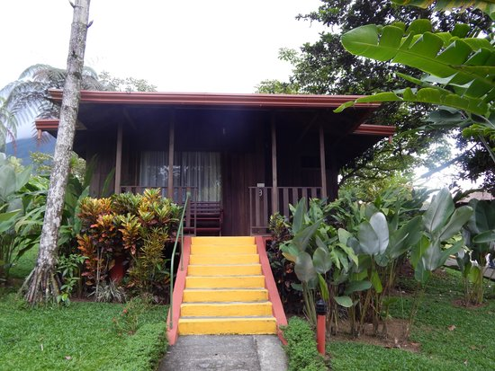 Hotel Lomas del Volcan: Your own little cabin