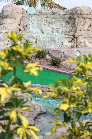 Jupiter, FL: Mini Golf Waterfall