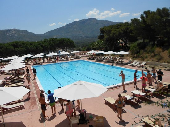 Piscine picture of club med sant 39 ambroggio calvi for Piscine club med gym
