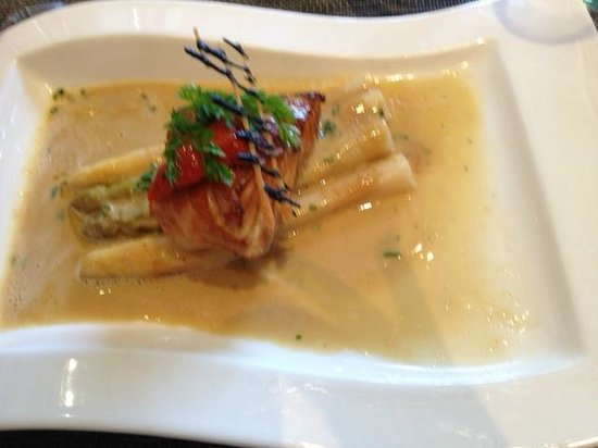 La Table Kobus: Fish with asparagus