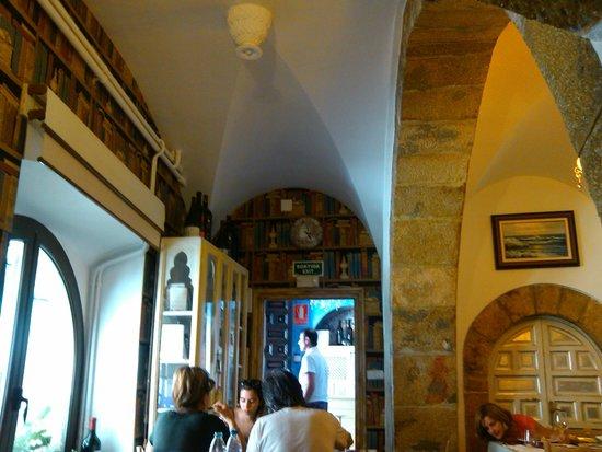 Davallada 9 Restaurante Cafeteria: restaurante