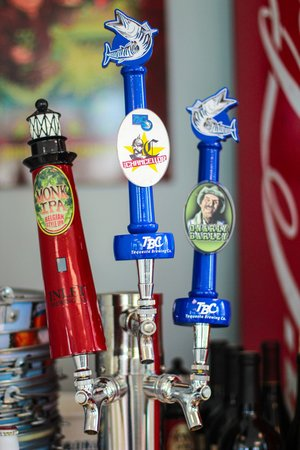 Lighthouse Cove Adventure Golf: Local Craft Beers