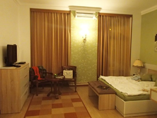 Azoyan Guest House: Classic Room