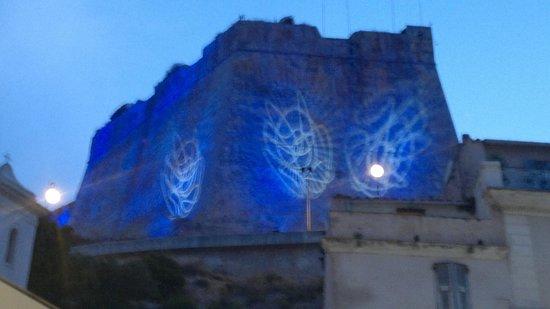 Bonifacio Citadel: le rempart à la fète de la lumière