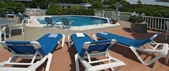 Glen Cove Inn & Suites: Pool