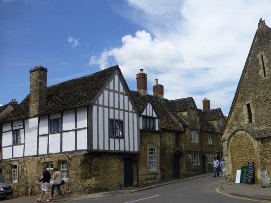 Lacock Abbey: lacock village