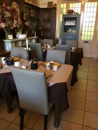 Hotel Asiris : Morning breakfast