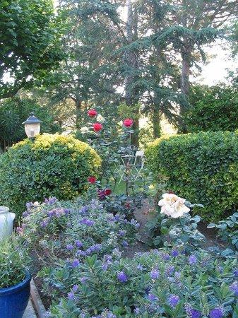 Le Relais Des Chartreuses: garden vue
