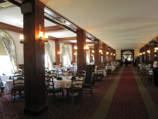 Skytop Lodge: The dinning room