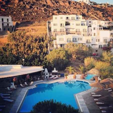 Hotel Kamari : Pool view