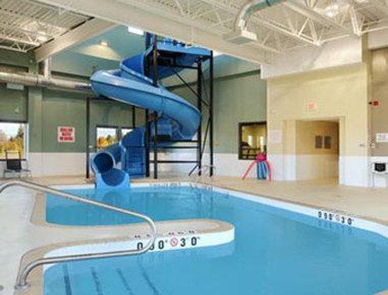 Super 8 Kapuskasing : Pool