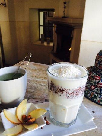 Ninos Hotel Meloc : Delicious Andean bio-breakfast in Niños' cafetin