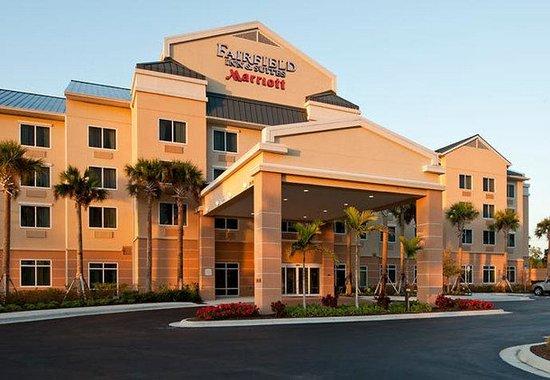 Fairfield Inn & Suites Naples : Exterior