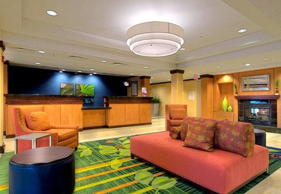 Fairfield Inn & Suites Naples : Lobby