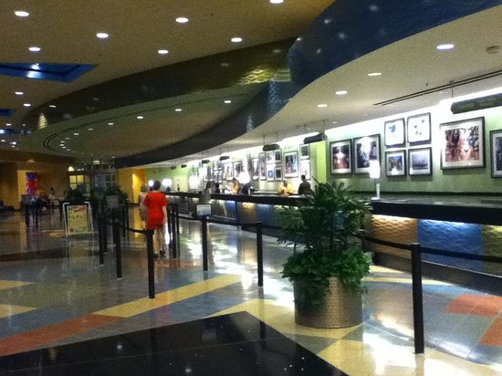 Disney's Pop Century Resort: Hotel Reception