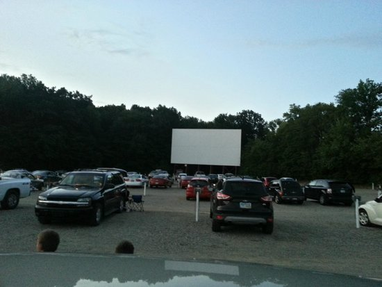 Elm Road Triple Drive In View From The Front Screen 2